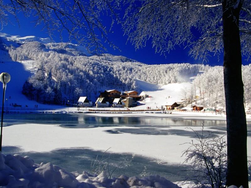Cerreto-laghi_inverno